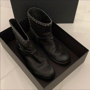 HTC BOOTS